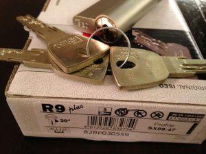 isei-r9-kulcsmasolas-garanciaval