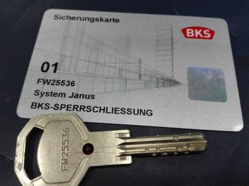 kulcsmásolás, kulcsmásolás Budapest, autókulcs másolás, autókulcs másolás Budapest, ajtózár kulcsmásolás, ajtózár kulcsmásolás Budapest